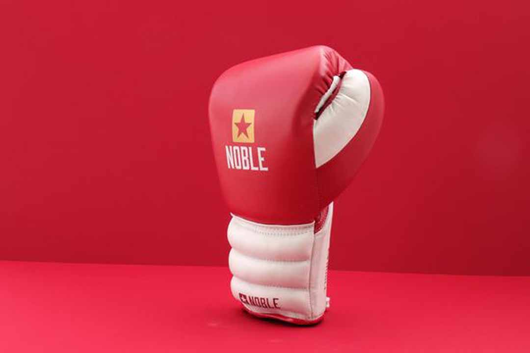 Noble NB1 16oz Limited Edition Lace up - Red/White