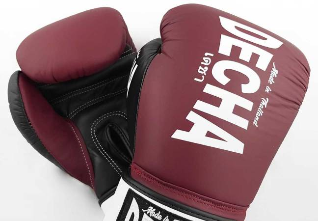 Example Muay Thai Gloves: Decha Fight Gear DBGVL1 Boxing Gloves